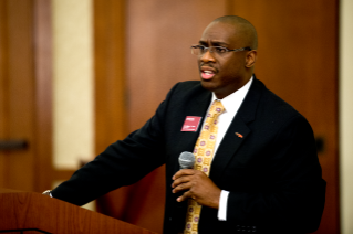 Vice President William Lewis at 2014 Advancing Diversity workshop