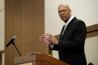 Image of Robinson Keynote for the 2015 Advancing Diversity Conference